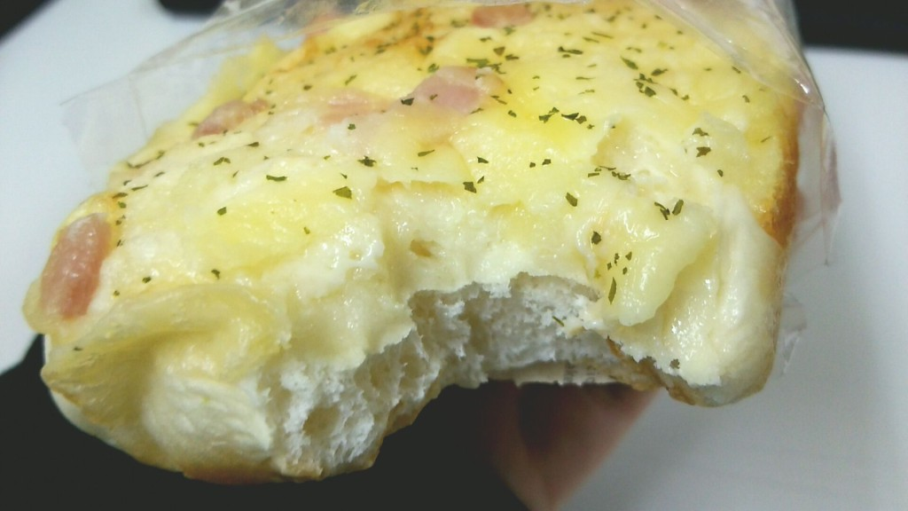 チーズ&オニオンブレッド(セブンイレブン)