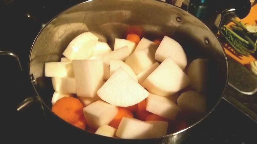 豚バラ肉で作る絶品豚汁(dancyu)