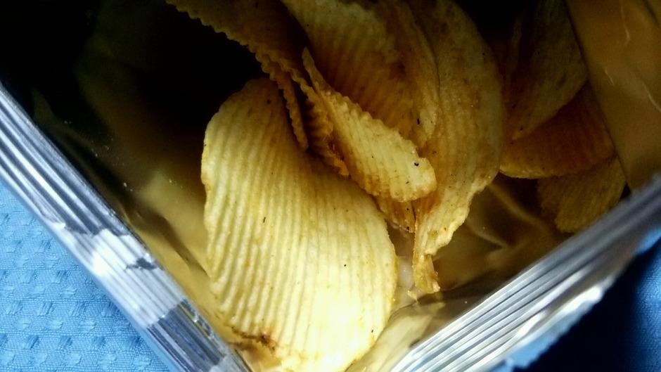 ロッテリア絶品チーズバーガー味(カルビーポテトチップス 新商品)